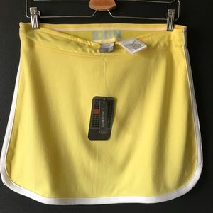 NIKE NWT retro, sporty yellow skirt white piping